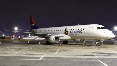 ZS-YAN - Embraer 190-100IGW - Airlink