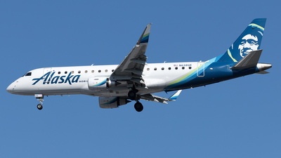 A picture of N638QX - Embraer E175LR - Alaska Airlines - © Yixin Chen