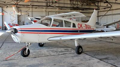 OK-BUD - Piper PA-28-140 Cherokee F - Private