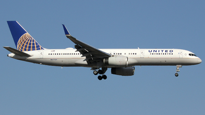 A picture of N67134 - Boeing 757224 - United Airlines - © Xiamen Air 849 Heavy