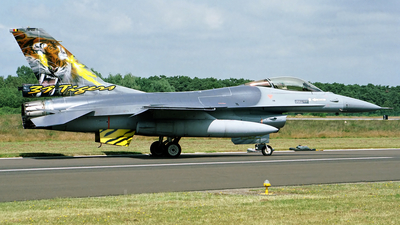 FA-122 - General Dynamics F-16AM Fighting Falcon - Belgium - Air Force