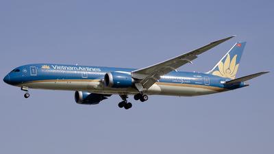 A picture of VNA869 - Boeing 7879 Dreamliner - Vietnam Airlines - © Tan Thien - SFAP