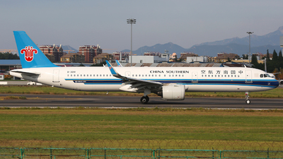 A picture of B301V - Airbus A321271N - China Southern Airlines - © SEN BAI