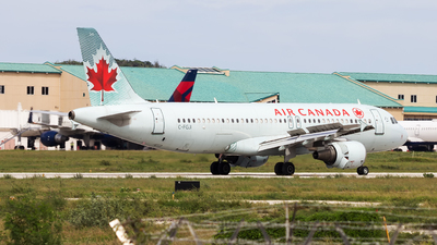 A picture of CFGJI - Airbus A320214 - Air Canada - © Hensley Garcia