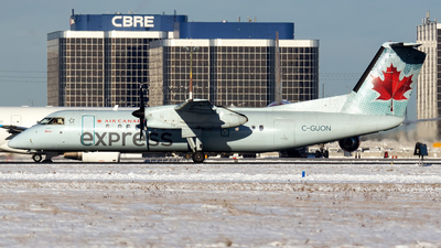 A picture of CGUON - De Havilland Canada Dash 8300 - Air Canada - © Tianyi Liu