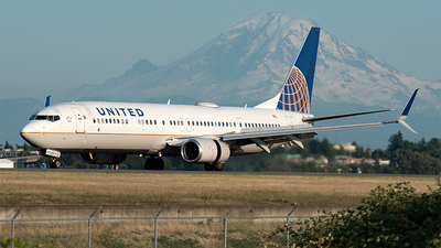 A picture of N36476 - Boeing 737924(ER) - United Airlines - © Nick Michaud
