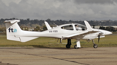 A picture of VHYBS - Diamond DA42 Twin Star - [42.206] - © Daniel Tanner