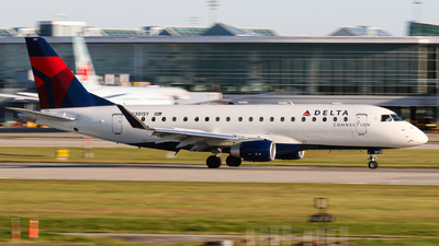 A picture of N301SY - Embraer E175LL - Delta Air Lines - © Luft Spotter