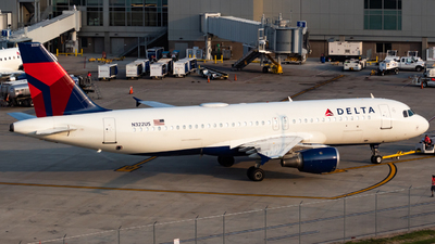 N322US - Airbus A320-211 - Delta Air Lines