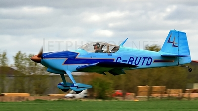 G-BUTD - Vans RV-6 - Private