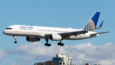 A picture of N13110 - Boeing 757224 - United Airlines - © Brandon Ravelo