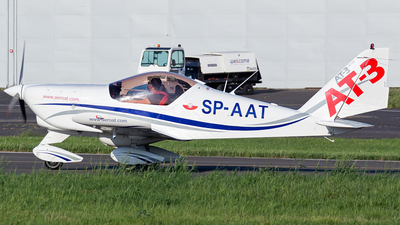 SP-AAT - Aero AT-3 R100 - 3at3 Formation Flying Team