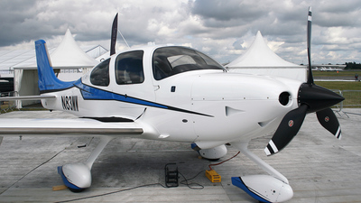 A picture of N83MW - Cirrus SR22T - [0797] - © Graham Perkin