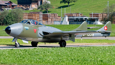 A picture of HBRVJ - F+W EmmenDH115 Vampire T55 - [988] - © Patrick Weis