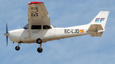 A picture of ECLJD - Cessna 172S - [172S10009] - © Mateo León