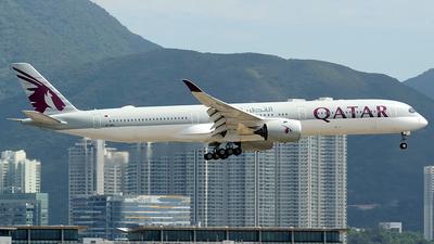 A picture of A7ANJ - Airbus A3501041 - Qatar Airways - © Paul Y. M. Chow - AHKGAP