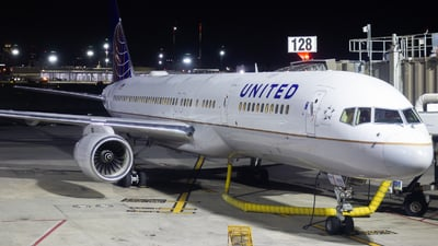 A picture of N13110 - Boeing 757224 - United Airlines - © Davin Amy