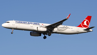 A picture of TCJTL - Airbus A321231 - Turkish Airlines - © Stefan Alexandru