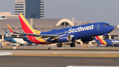 N8518R - Boeing 737-8H4 - Southwest Airlines