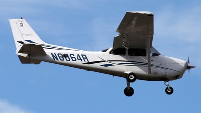 N6064R - Cessna 172S Skyhawk SP - Private
