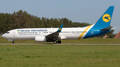 A picture of URPSW - Boeing 7378KV - Ukraine Int. Airlines - © Sandra