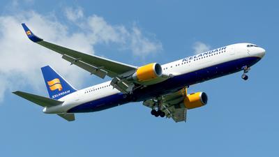 A picture of TFISW - Boeing 767319(ER) - Icelandair - © Sebastian Thiel