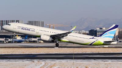 A picture of HL7211 - Airbus A321231 - Air Busan - © Fei Yu