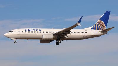 N76265 - Boeing 737-824 - United Airlines