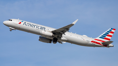 A picture of N112AN - Airbus A321231 - American Airlines - © Eric Esots
