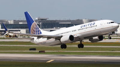 N24212 - Boeing 737-824 - United Airlines