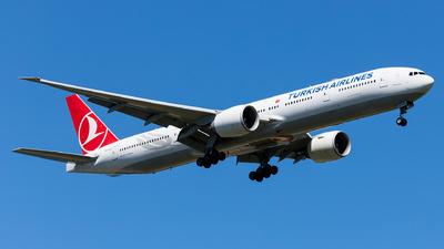 A picture of TCJJV - Boeing 7773F2(ER) - Turkish Airlines - © Ömür Sadikoglu