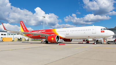 A picture of DAVXA - Airbus A321 - Airbus - © Martin Rogosz