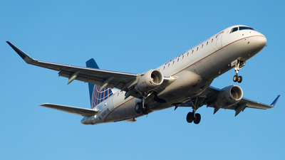 A picture of N134SY - Embraer E175LR - United Airlines - © M.R. Aviation Ph