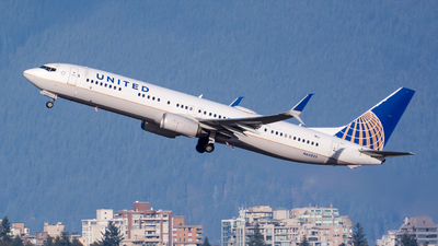 A picture of N66825 - Boeing 737924(ER) - United Airlines - © Chung Kwok