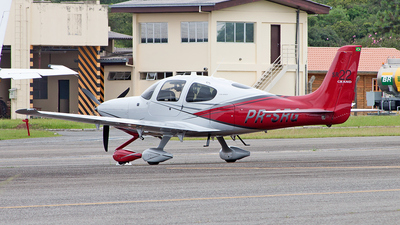 A picture of PRSRG - Cirrus SR22 - [4121] - © raphacwb