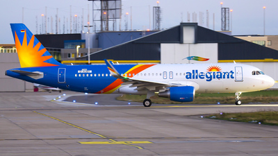 A picture of DAUBY - Airbus A320 - Airbus - © Blueflyer