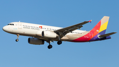 HL7738 - Airbus A320-232 - Asiana Airlines