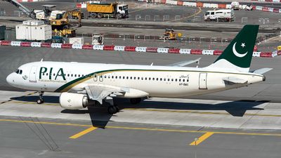 A picture of APBMX - Airbus A320214 - Pakistan International Airlines - © Jet92