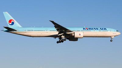HL7203 - Boeing 777-3B5ER - Korean Air