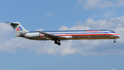 N223AA - McDonnell Douglas MD-82 - American Airlines