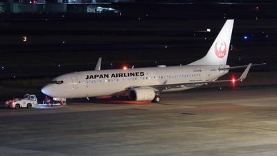 A picture of JA335J - Boeing 737846 - Japan Airlines - © Gripen-YN