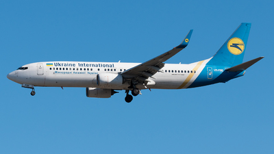 A picture of URPSE - Boeing 73784R - Ukraine Int. Airlines - © paoloz99