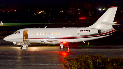 A picture of N227QS - Dassault Falcon 2000 - NetJets - © Agustin Anaya