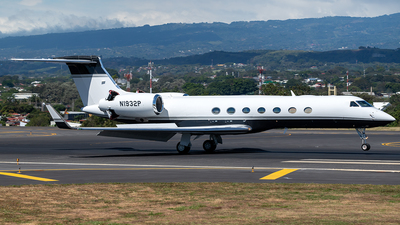 A picture of N1932P - Gulfstream G550 - [5549] - © Cristian Quijano