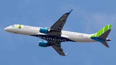 M-ABNX - Embraer 190-100LR - Bamboo Airways