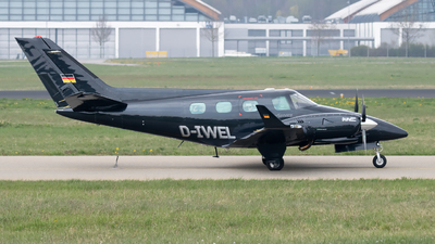 D-IWEL - Beechcraft B60 Duke - Private