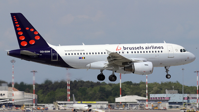 A picture of OOSSW - Airbus A319111 - Brussels Airlines - © Alberto Cucini