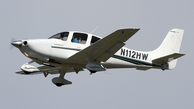 A picture of N112HW - Cirrus SR20 - [1128] - © Michael Durning