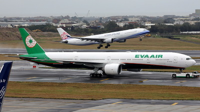 A picture of B16712 - Boeing 77735E(ER) - EVA Air - © Ethan Tang
