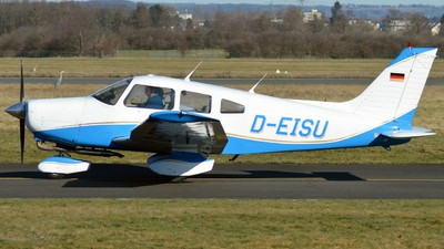 D-EISU - Piper PA-28-161 Warrior II - Private